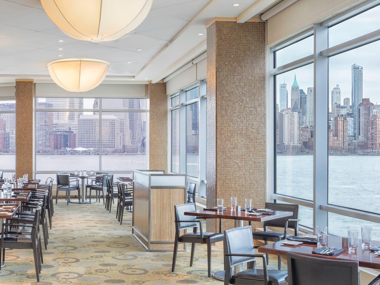 Vu Restaurant Seating Hyatt Regency Jersey City on the Hudson