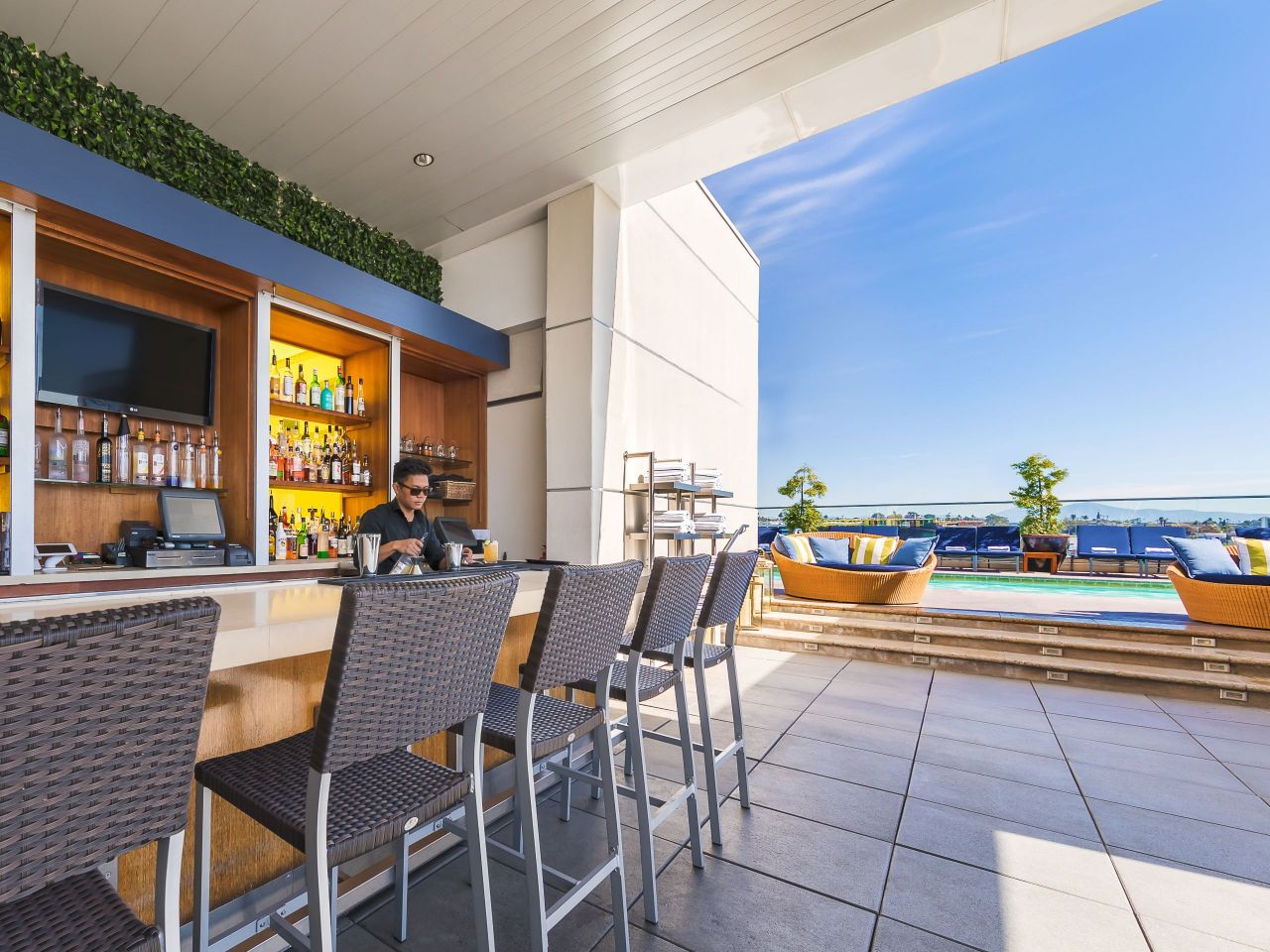 Rooftop Bar and Restaurant San Diego| Andaz San Diego