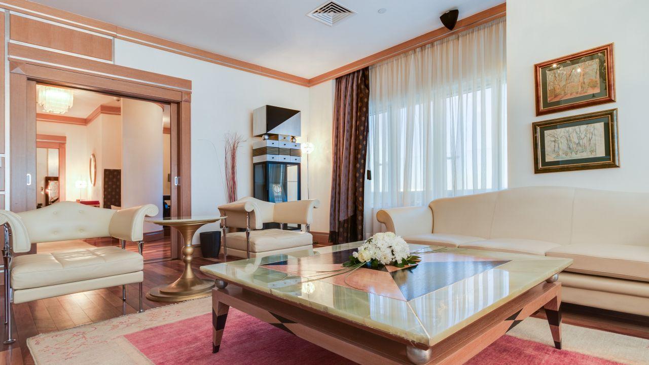 Presidential Suite Guest Room