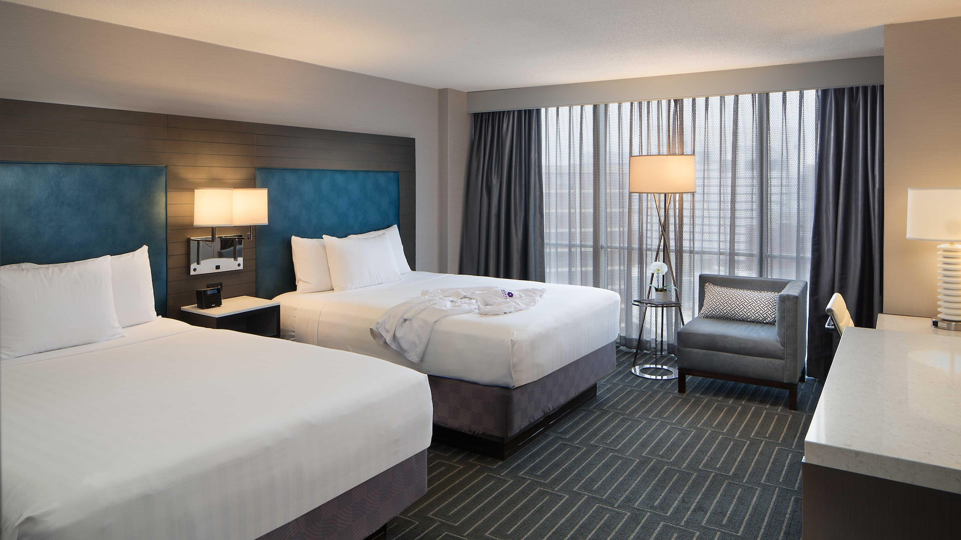 Modern Downtown Cincinnati Hotel – Hyatt Regency Cincinnati