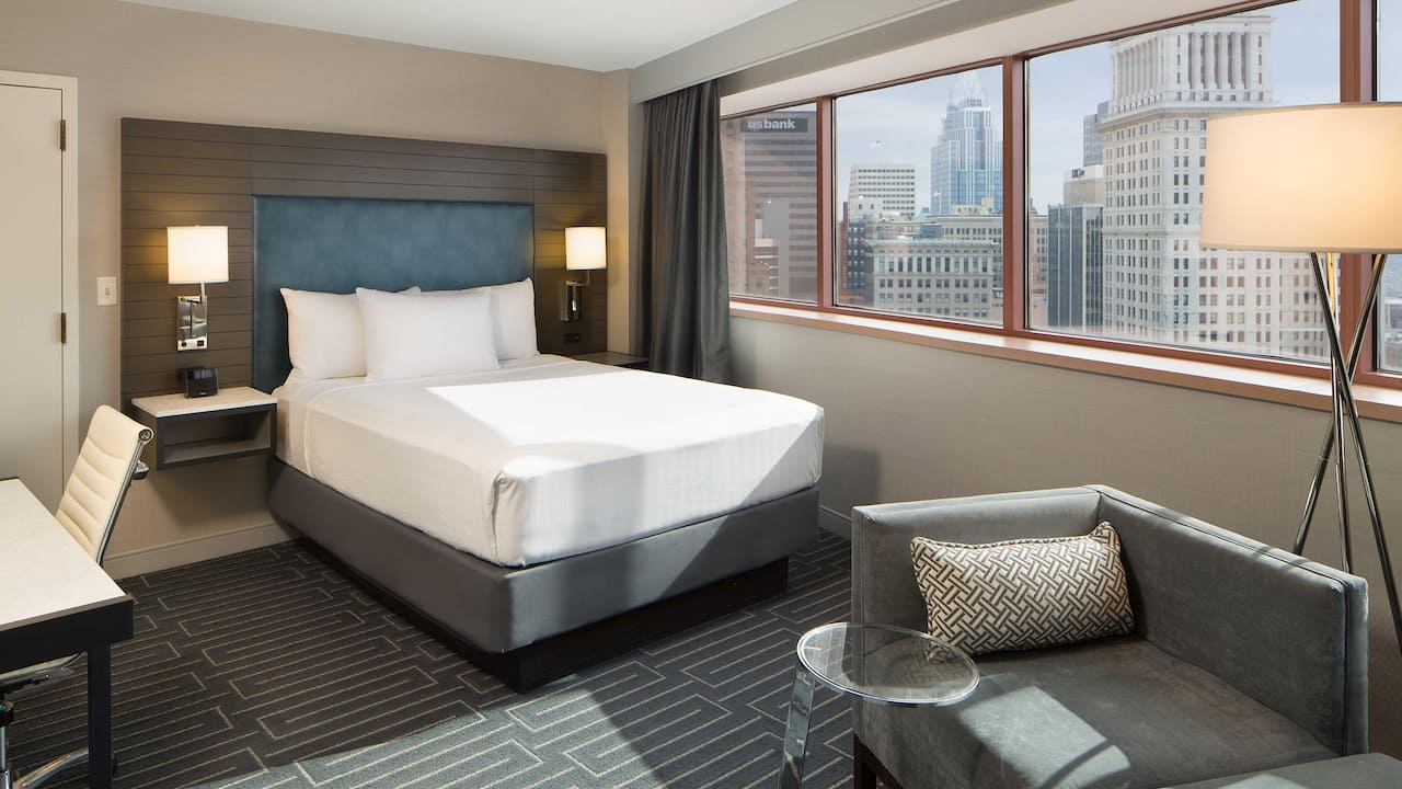 Hyatt Regency Cincinnati Hotel Rooms in Downtown Cincinnati