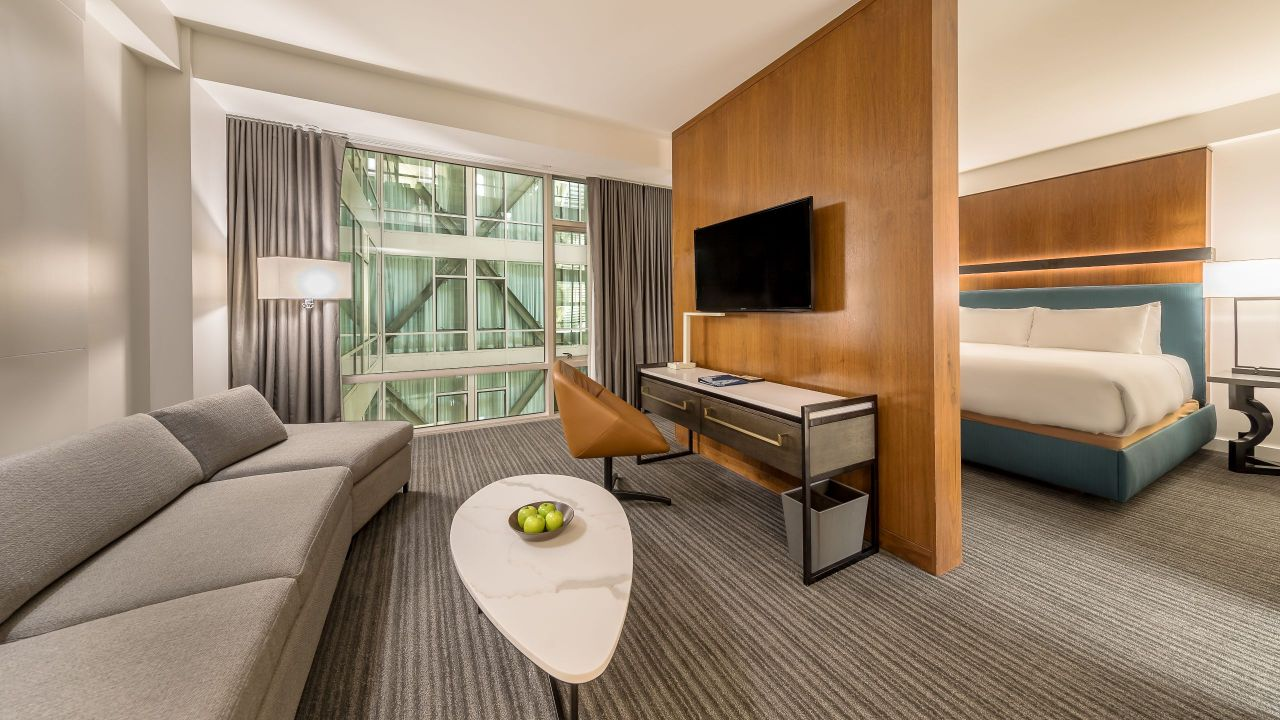 Andaz suite king bed