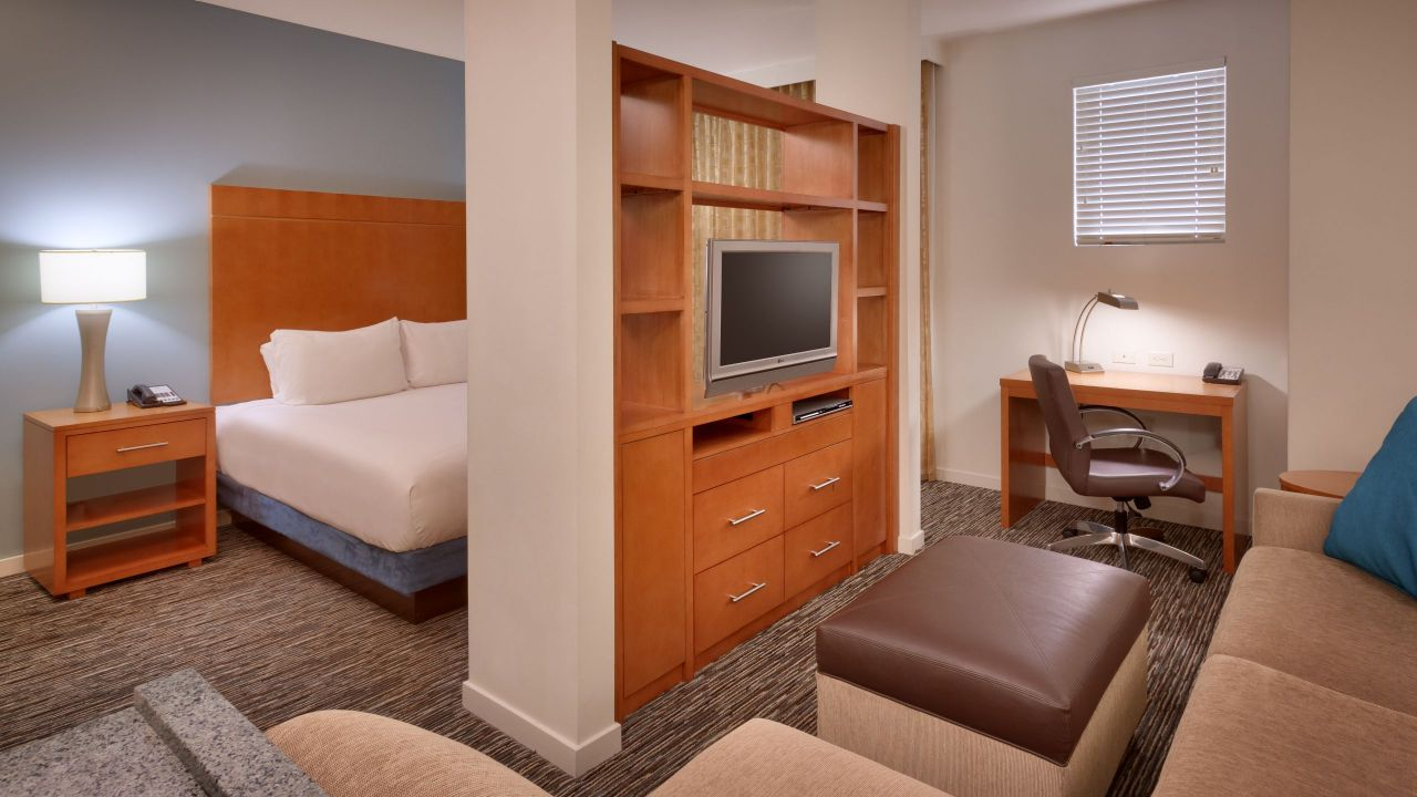 Hyatt House King Studio Suite