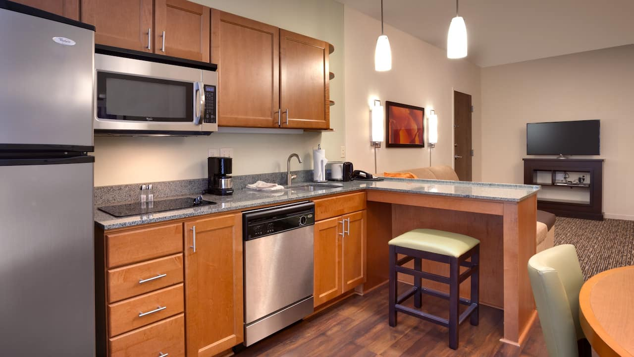 One Bedroom Suite with Fully-Equipped Kitchen in Sandy, UT – Hyatt House Hotel Salt Lake City/Sandy