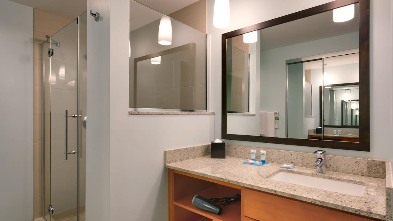 One Bedroom Suite with Modern Bathroom – Hyatt House Hotel Salt Lake City/Sandy