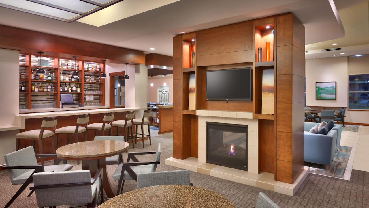 Sandy, UT Hotel Lobby with Fireplace – Hyatt House Salt Lake City/Sandy