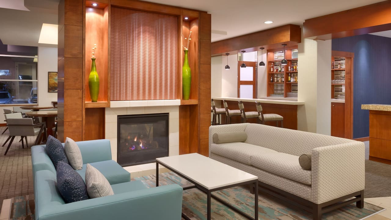 Modern Hotel Lobby in Sandy, UT – Hyatt House Salt Lake City/Sandy
