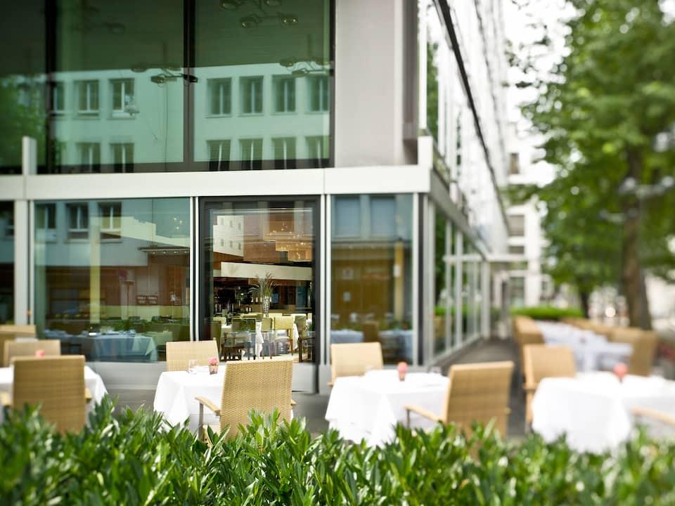 Terrace Parkhuus Restaurant