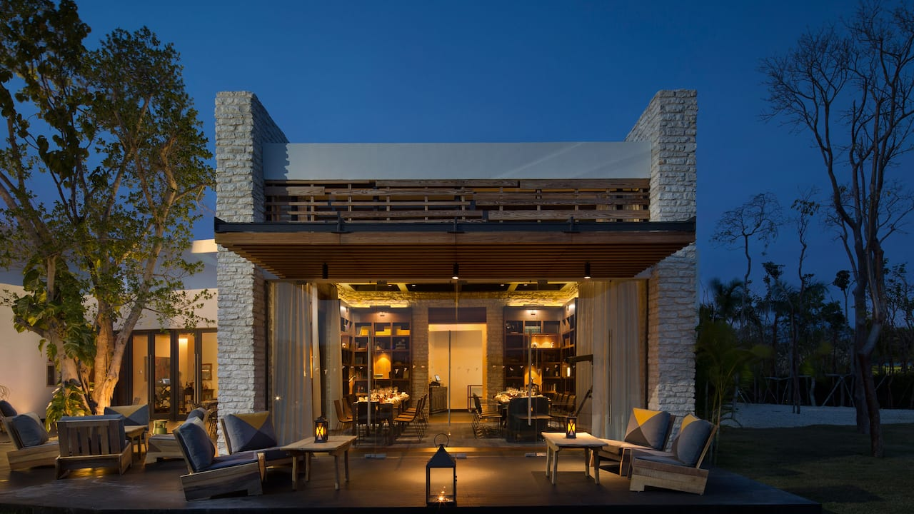 Andaz Mayakoba Resort Riviera Maya casa amate night view