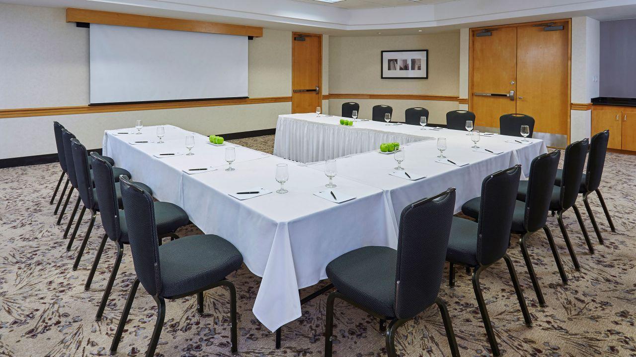 Hyatt Regency Toronto Classroom Meeting Space