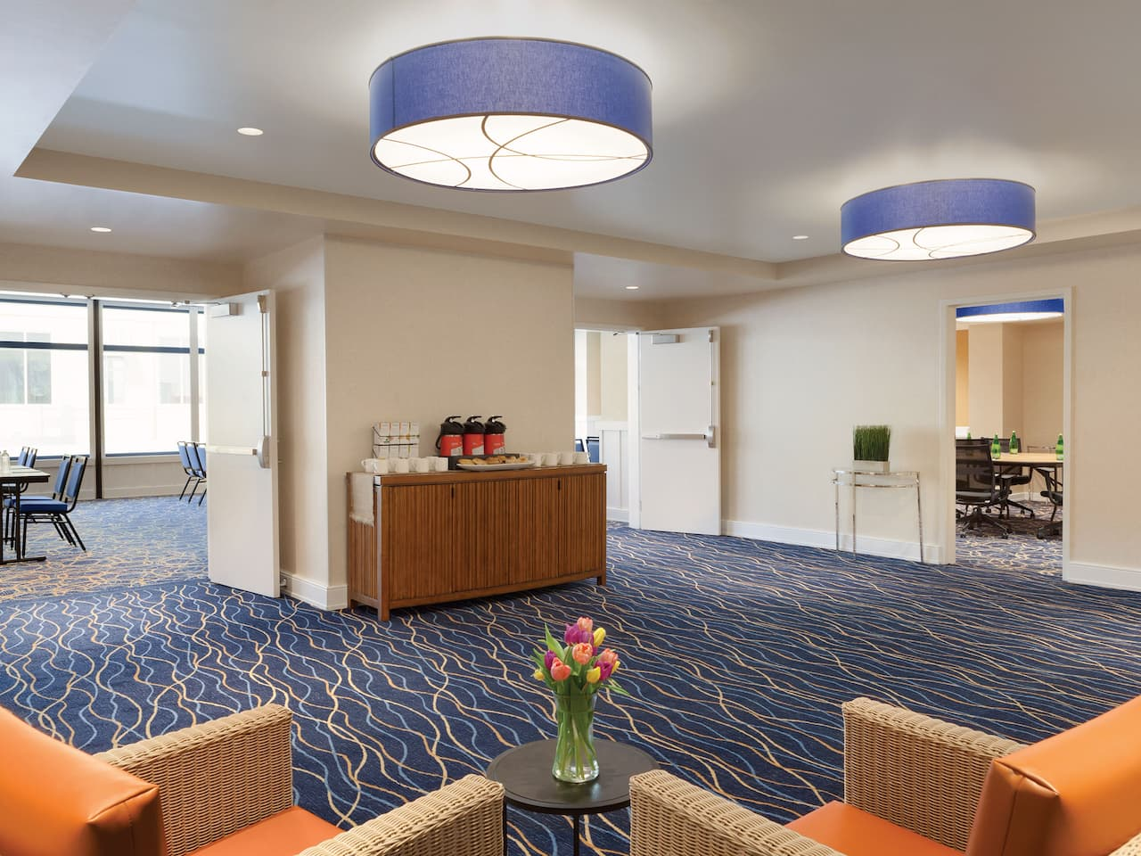 Meeting Area Hyatt House Virginia Beach / Oceanfront