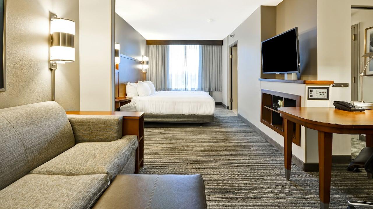 Hyatt Place Kansas City / Overland Park / Metcalf King Bedroom