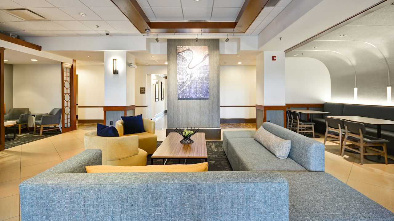 Hyatt Place Kansas City / Overland Park / Metcalf Hotel Lobby