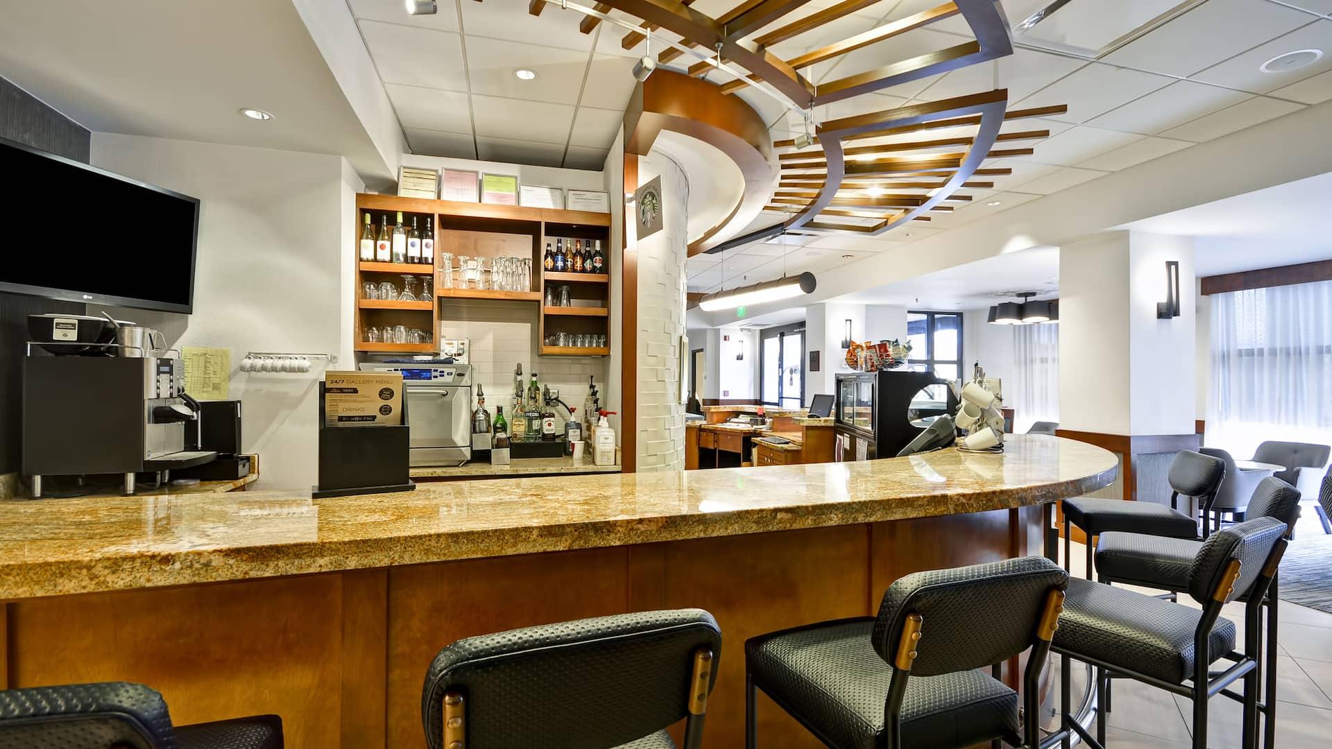 Hyatt Place Kansas City / Overland Park / Metcalf Coffee & Cocktails Bar