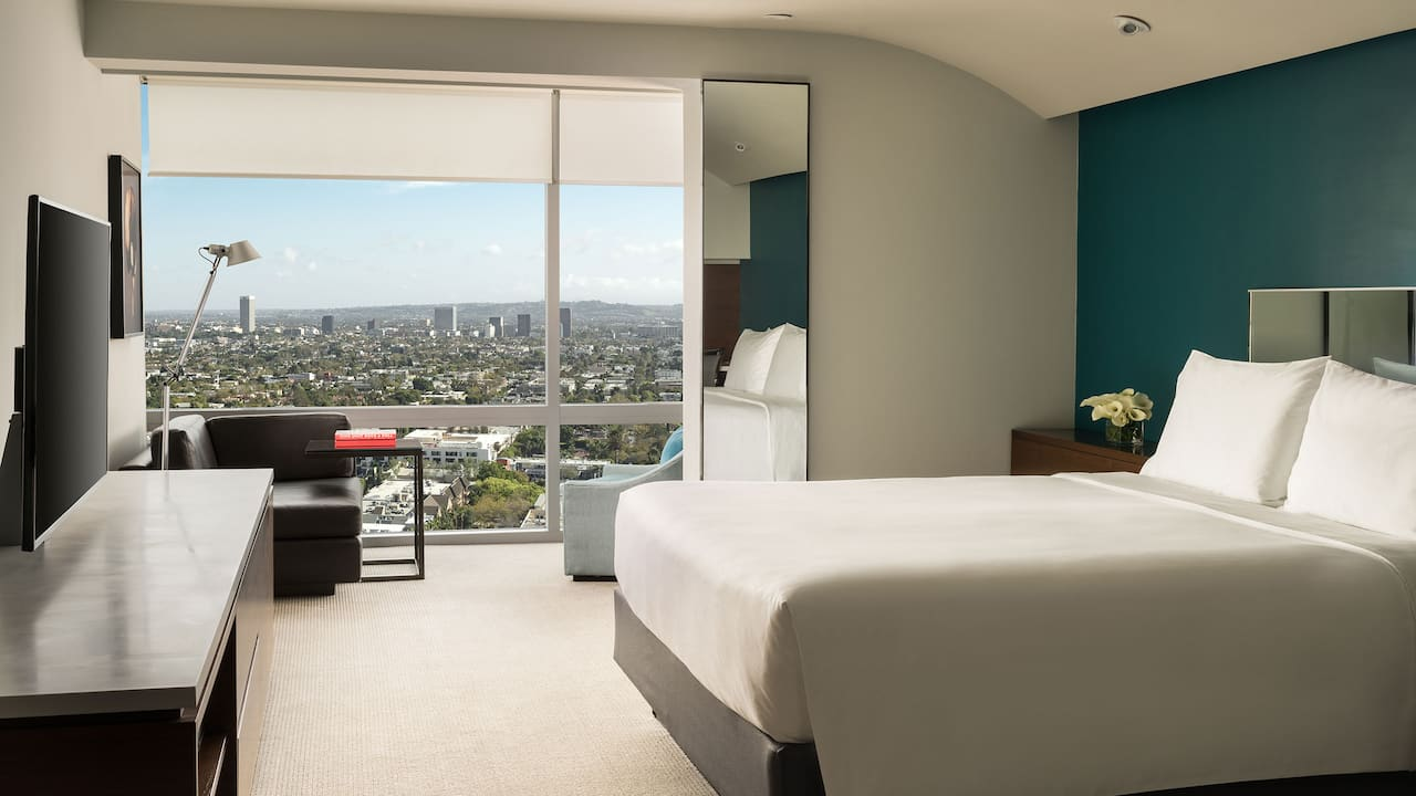 ANDAZ WEST HOLLYWOOD (ANDAZ) | King Bedroom Sunset View