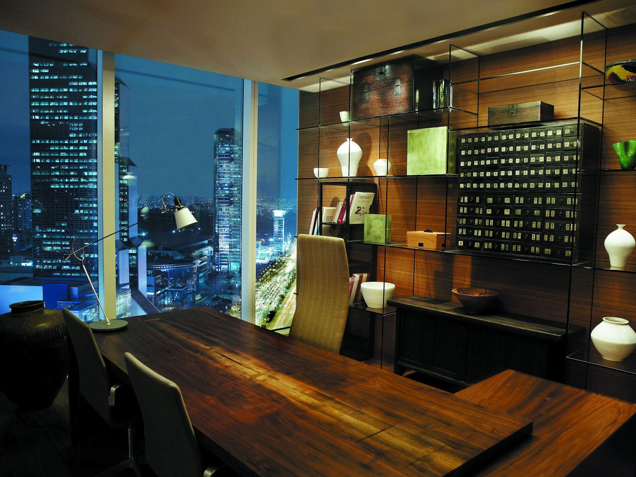 Park Hyatt Deluxe Room table