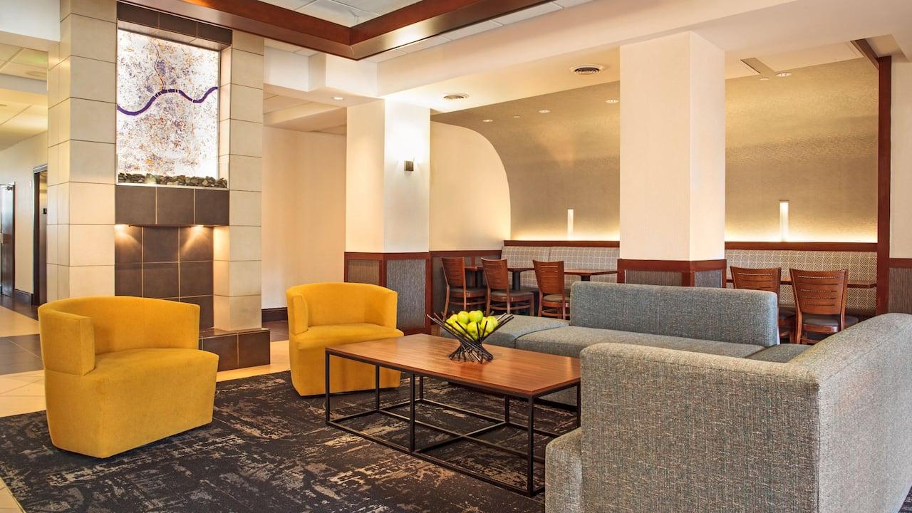 Hyatt Place Cincinnati / Blue Ash Hotel Lobby