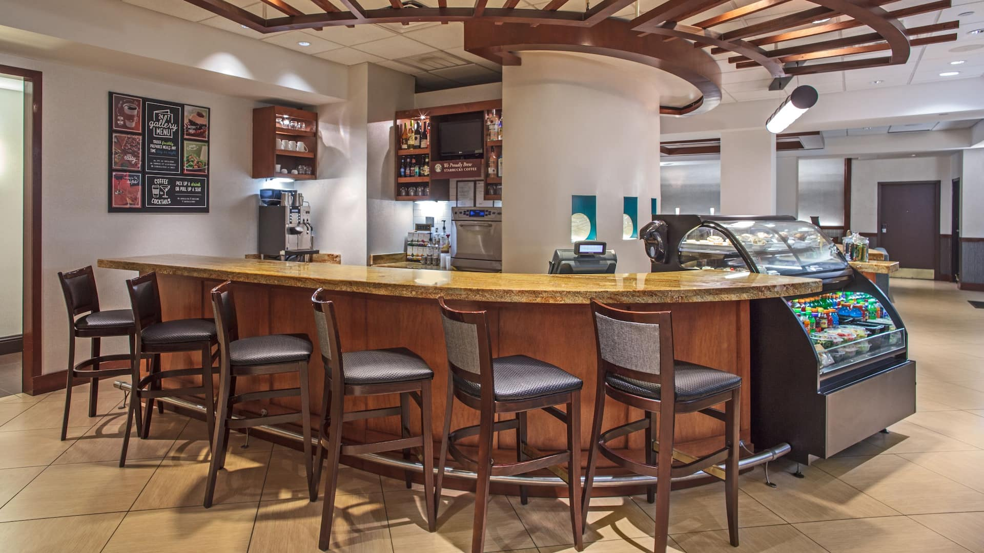 Hyatt Place Cincinnati / Blue Ash Lobby Bar