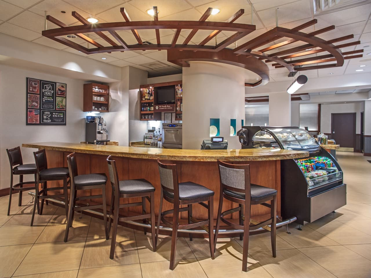 Hyatt Place Cincinnati / Blue Ash Coffee to Cocktail Bar