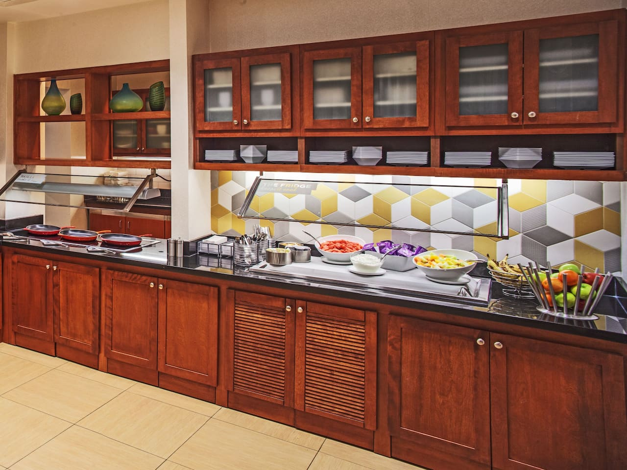 Hyatt Place Cincinnati / Blue Ash Kitchen Buffet