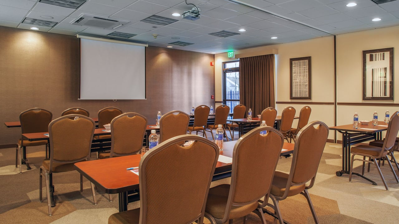 Hyatt Place Cincinnati / Blue Ash Meeting Room