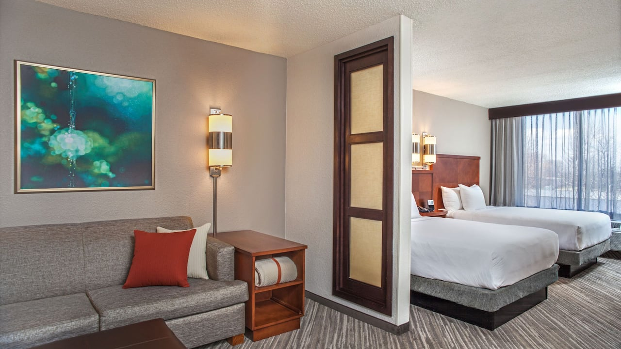 Hyatt Place Cincinnati / Blue Ash two twin beds with sofa bed