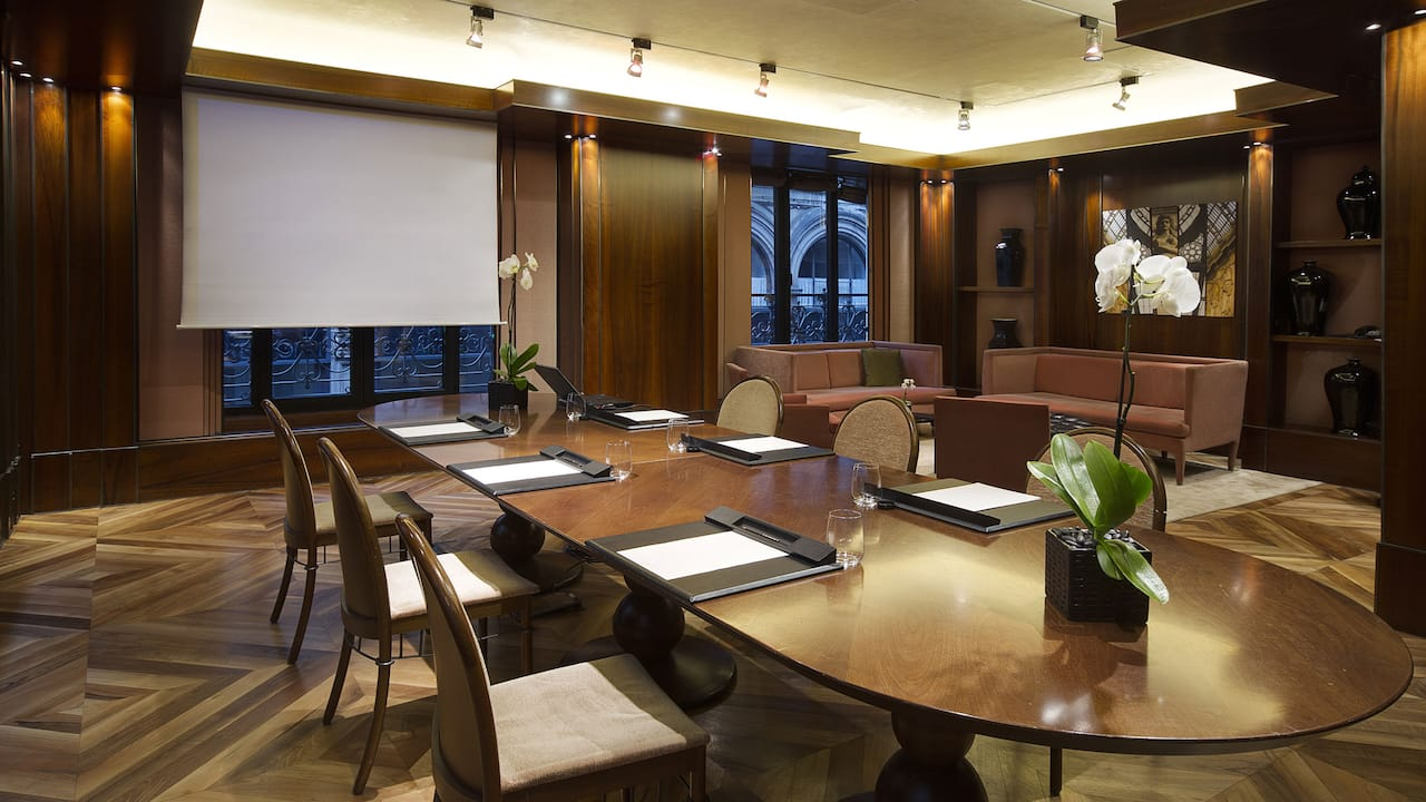 Boardroom I Setup Meeting