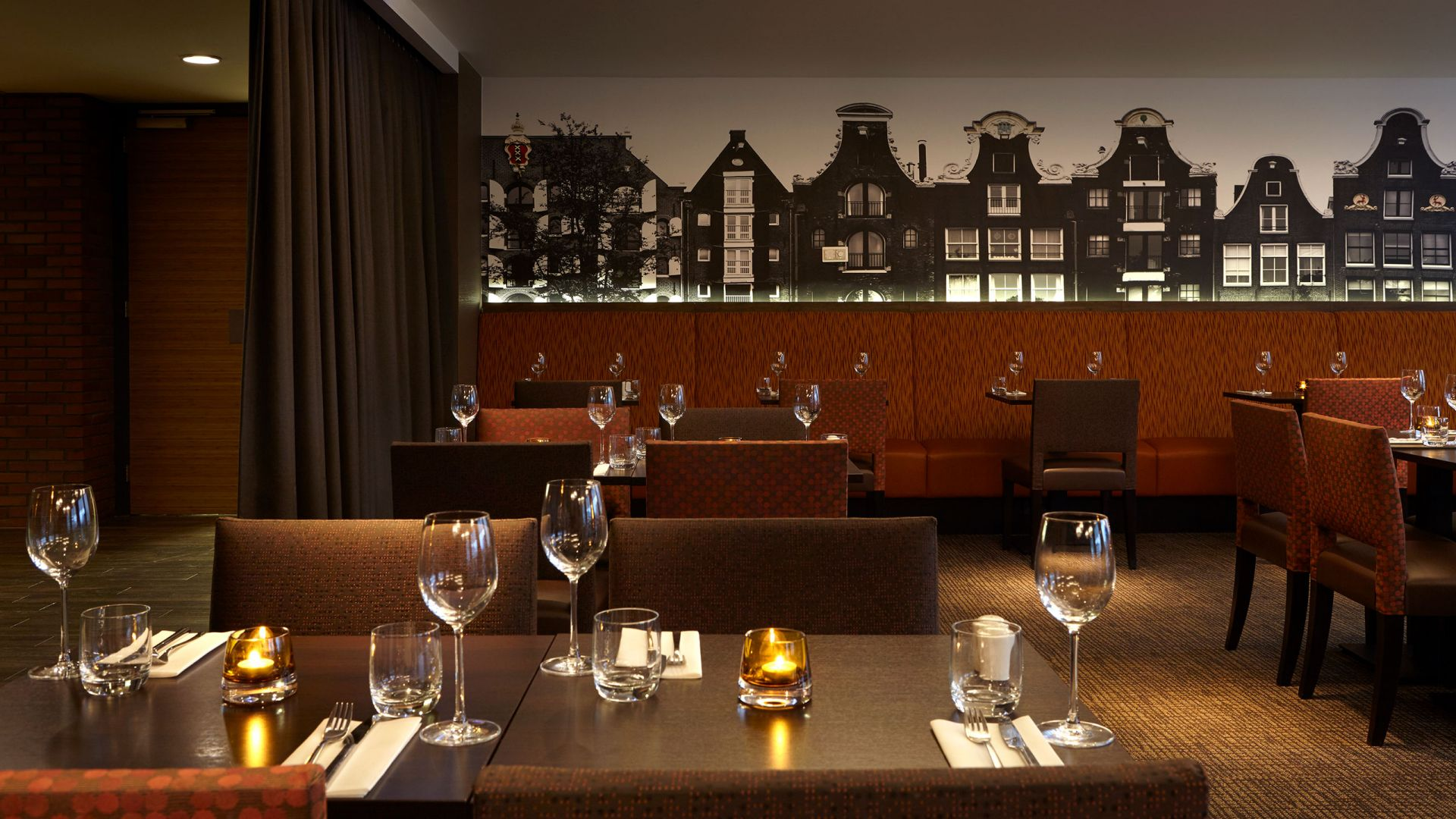 Hyatt Place Amsterdam Airport Bar