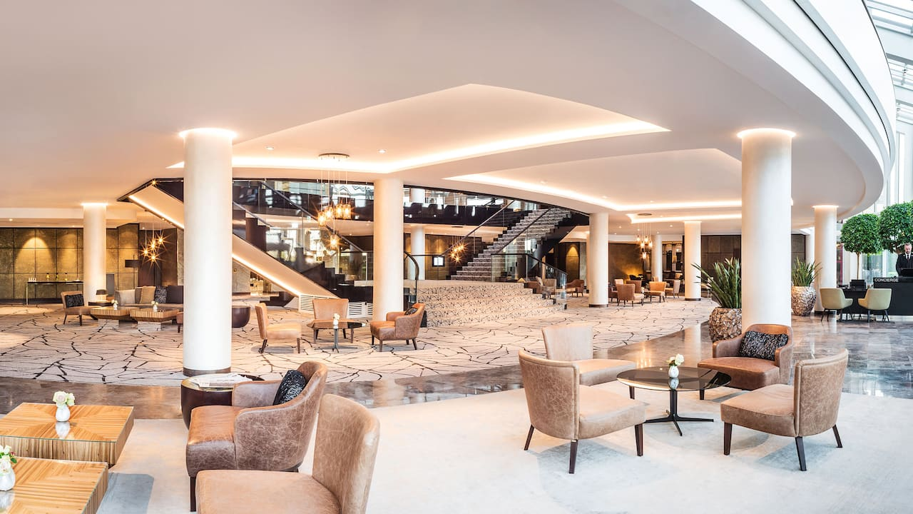 Hyatt Regency Cologne Lobby Panorama