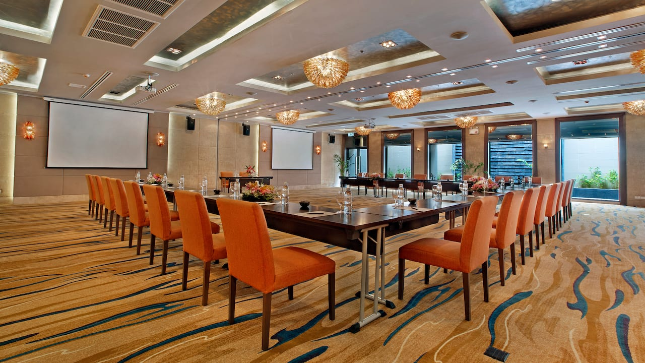 5-star Phuket Hotel in Kamala Beach Meetings in Phuket