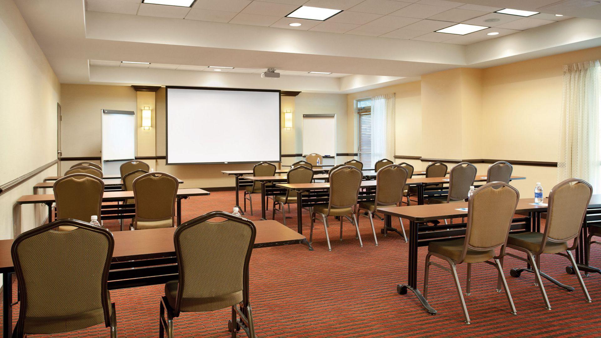 Hyatt Place Meeting Table Set-up Minneapolis Eden Prairie