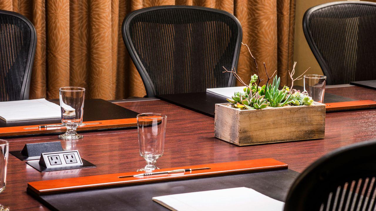 Meeting Suite 261 Detail