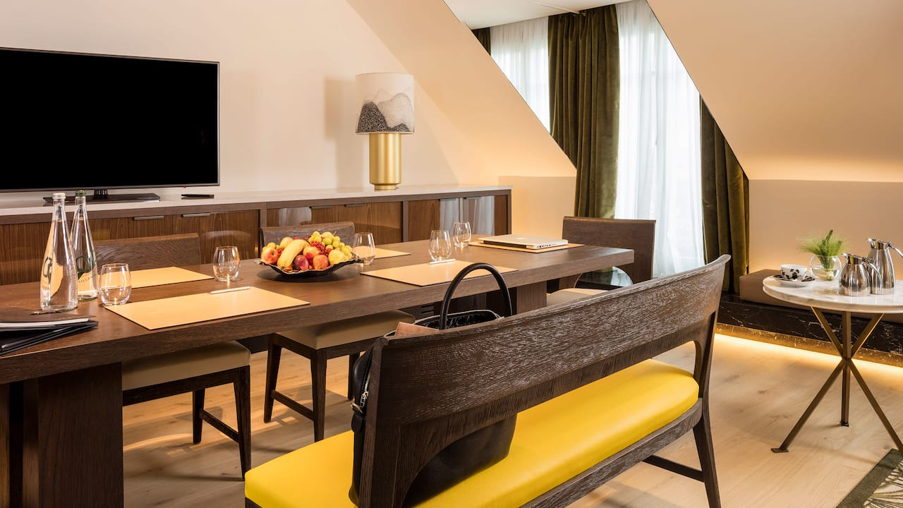 Privatisation of the Presidential Suite