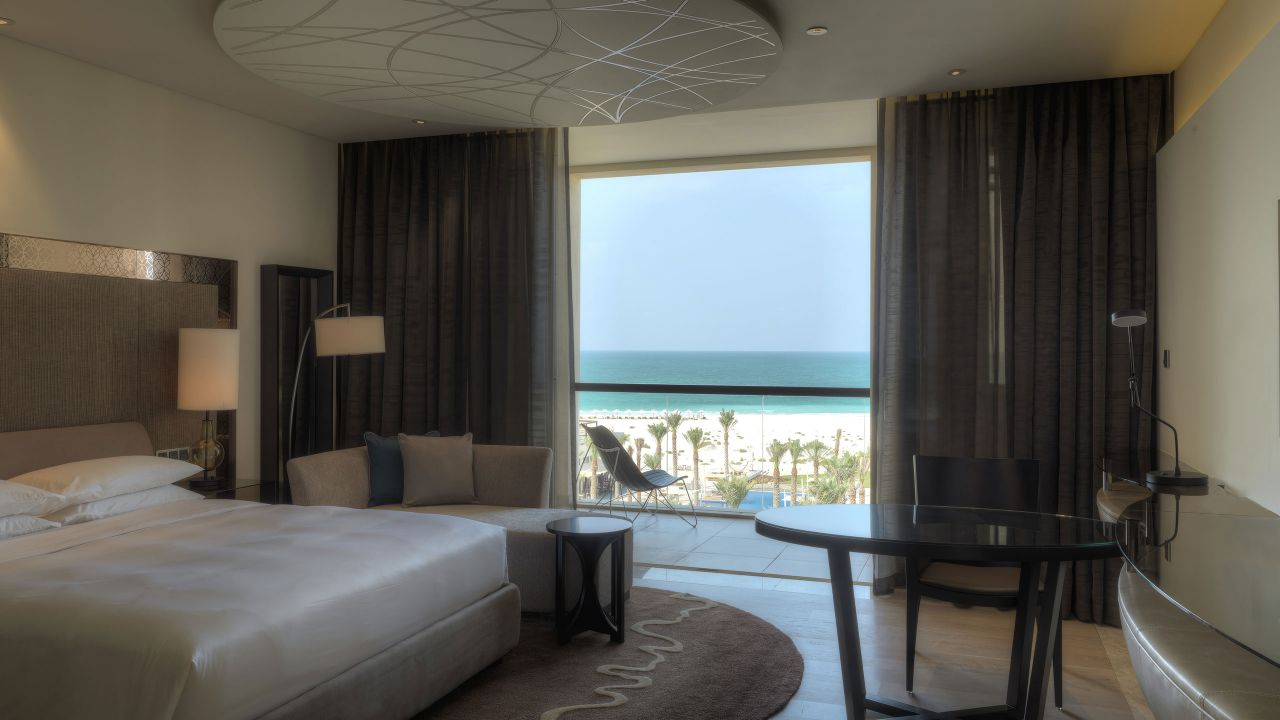 Seaview King Room, balcony overlooking beach