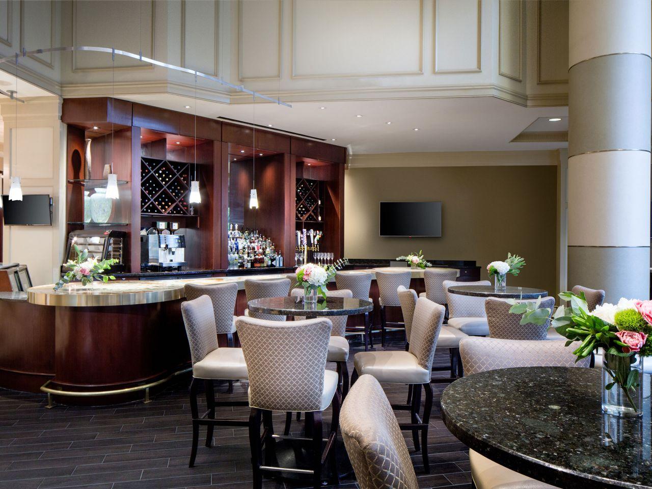 Onxy Dining room Bar