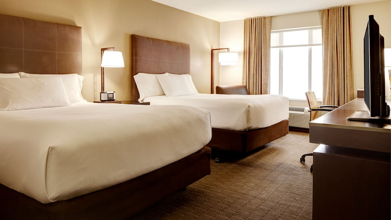 Spacious Double Queen Guest Room – Hyatt House Hotel Seattle/Bellevue