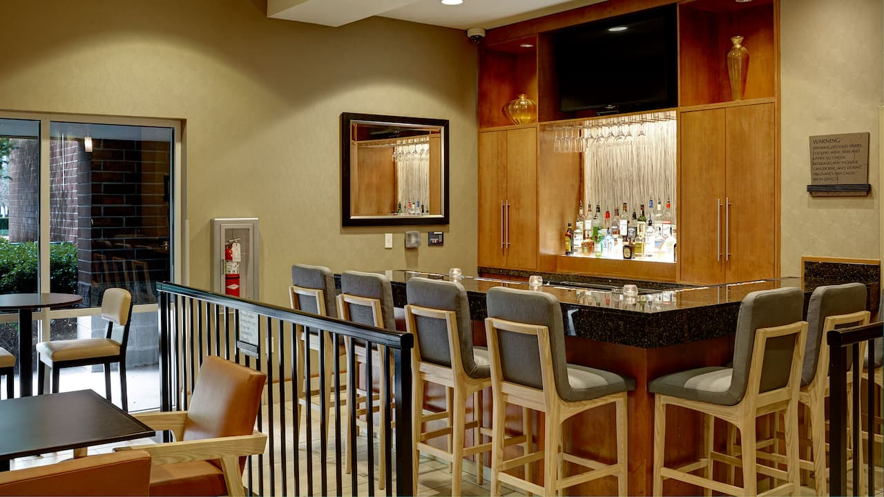 Bellevue, WA Hotel with Bar – Hyatt House Seattle/Bellevue