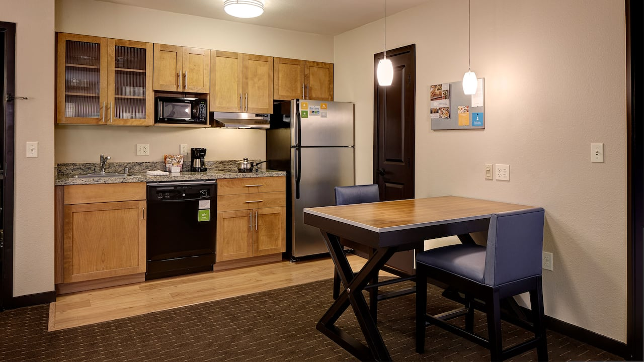 One Bedroom Suite with Kitchen in Bellevue, WA – Hyatt House Hotel Seattle/Bellevue