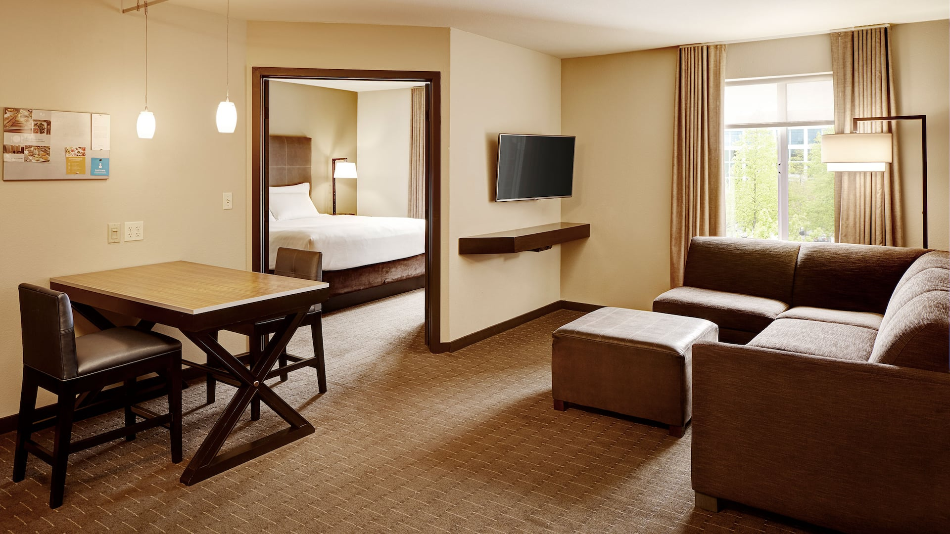 Hotel Suite in Bellevue, WA  – Hyatt House Hotel Seattle/Bellevue