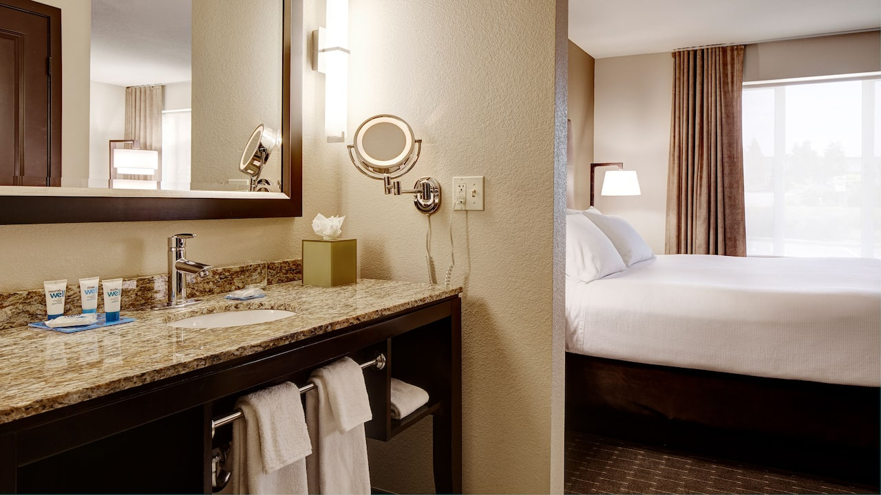 Bellevue Hotel Studio Bathroom Vanity – Hyatt House Seattle/Bellevue