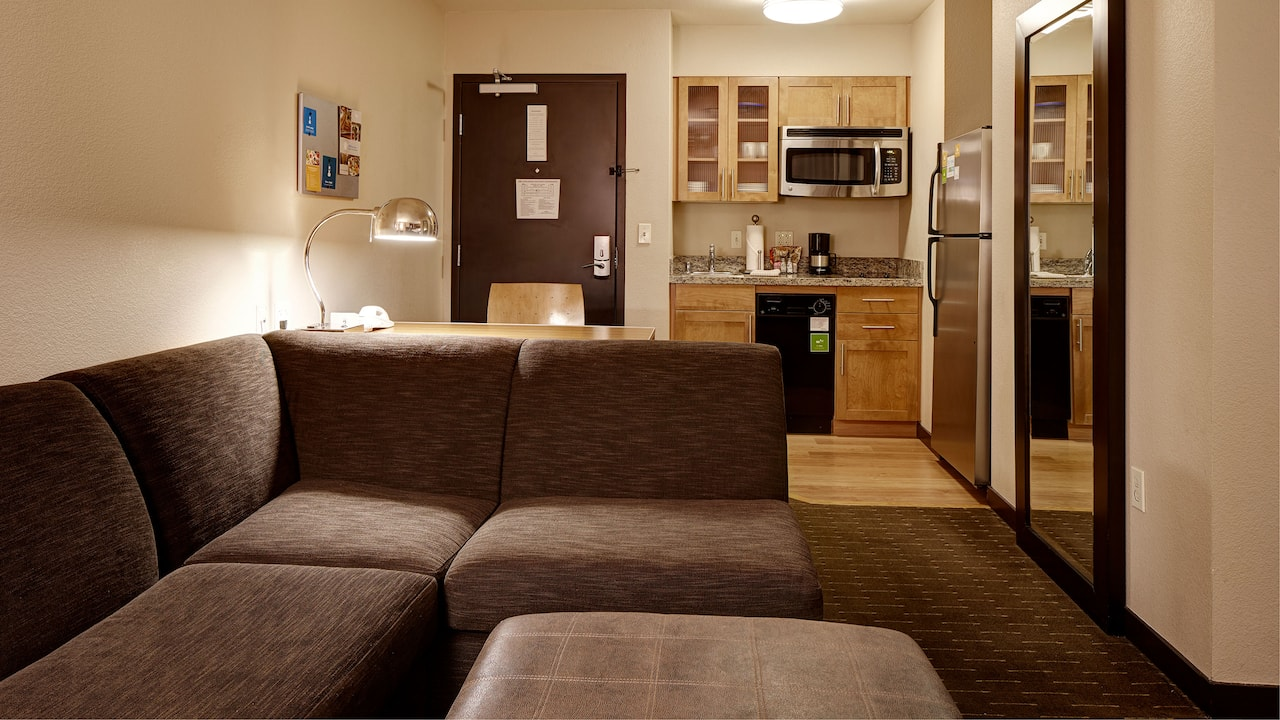 Bellevue Hotel Suite with Kitchenette – Hyatt House Seattle/Bellevue