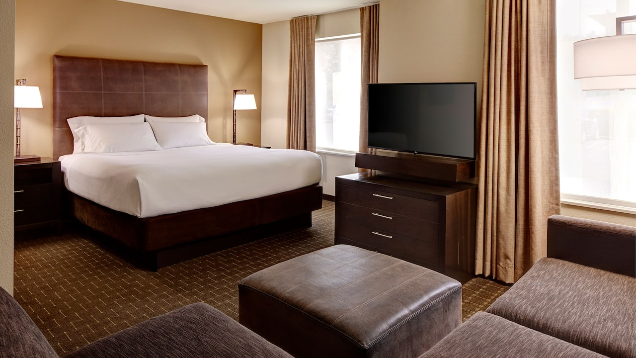 Bellevue Hotel Suite with Sleeper Sofa – Hyatt House Seattle/Bellevue