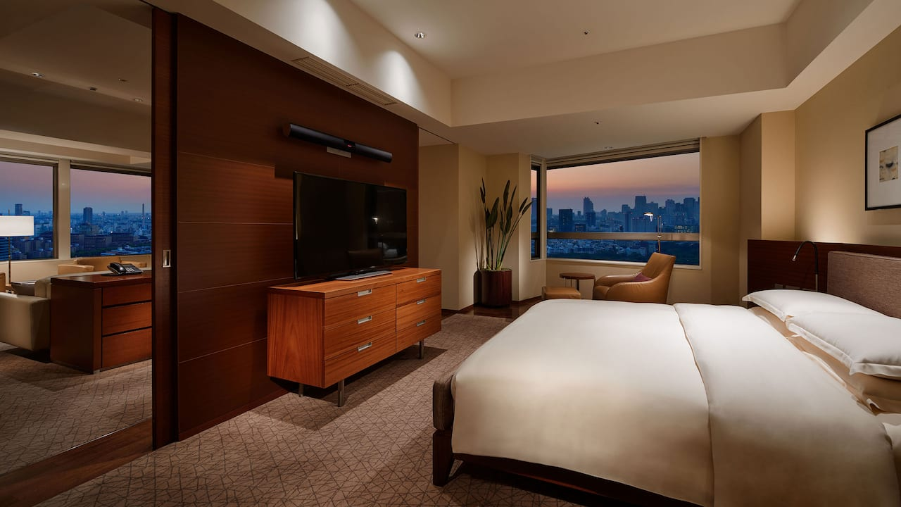 Diplomat suite bedroom