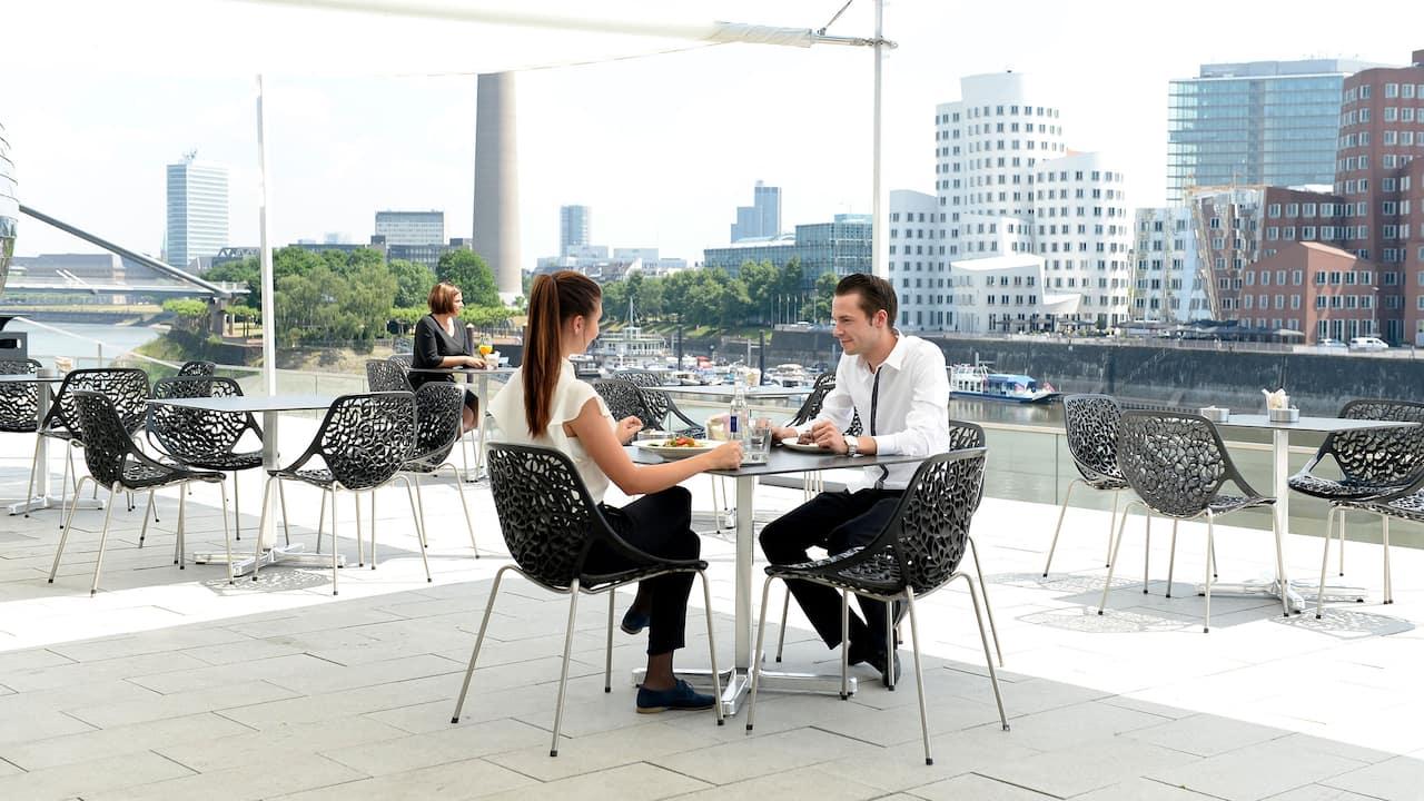 Outdoor lunch breaks Hyatt Regency Dusseldorf