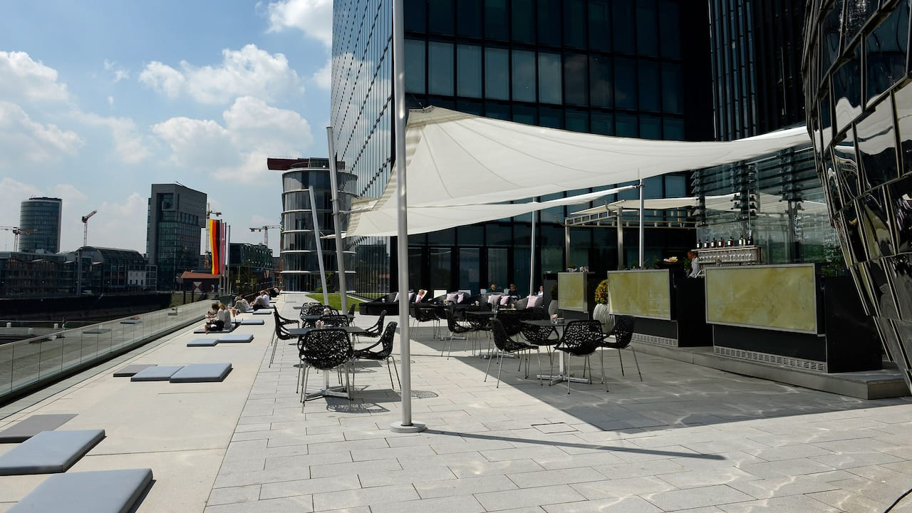 Coffee breaks at the Pebble's Terrace Hyatt Regency Dusseldorf