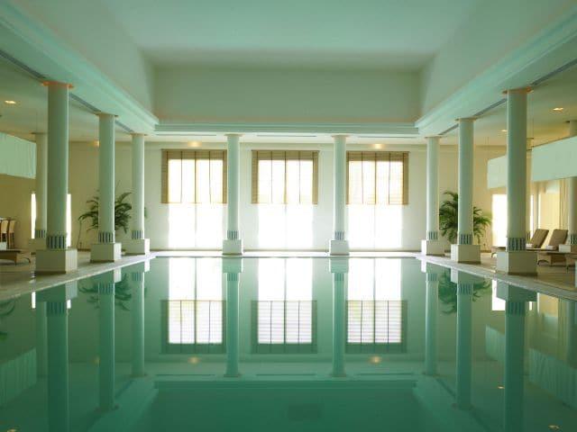 Evania Pool Hor