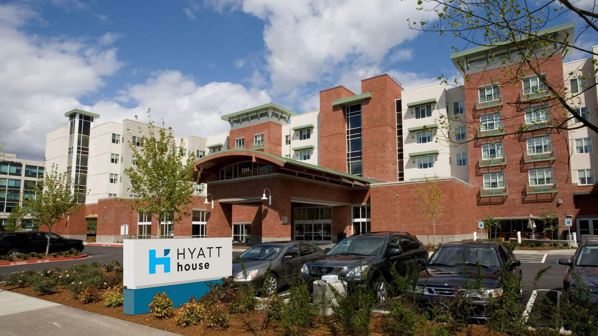 Hyatt House Seattle Bellevue, exterior