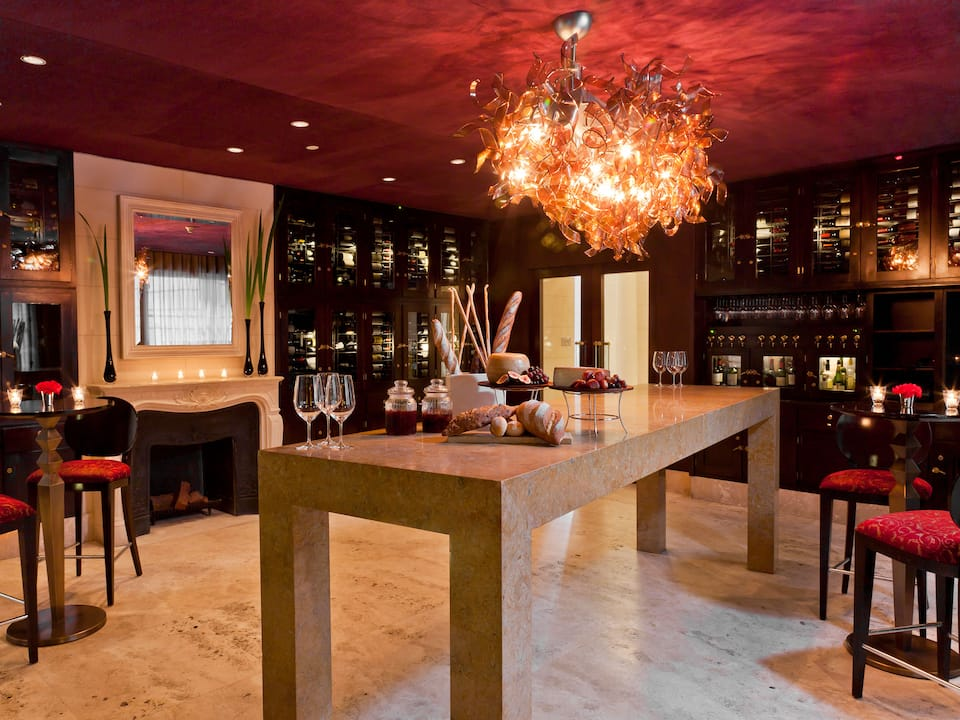 Vinoteca wine tasting area, lounge seating