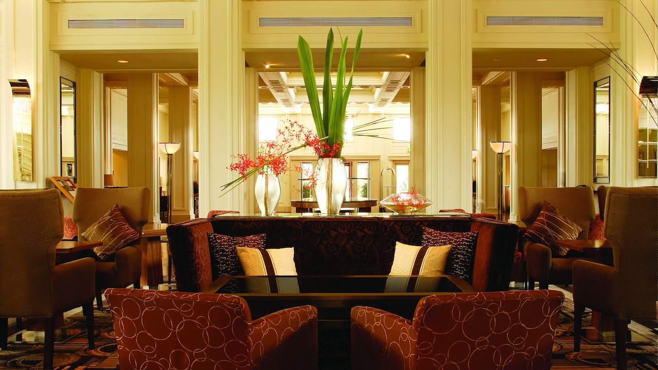 Tea Lounge, Lobby