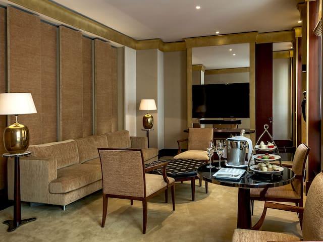 Salon de la suite Résidence à l'Hôtel Park Hyatt Paris-Vendôme